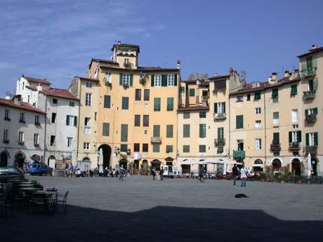 Lucca - Piazza dell'Anfiteatro